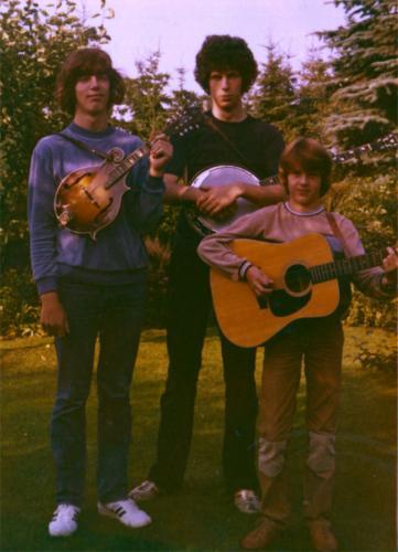 von links: Hendrik, Sievert, Heiko Ahrend in Oma Engelinas Garten, Leer 1980